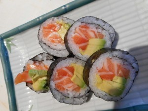 47_Salmon Avocado Roll